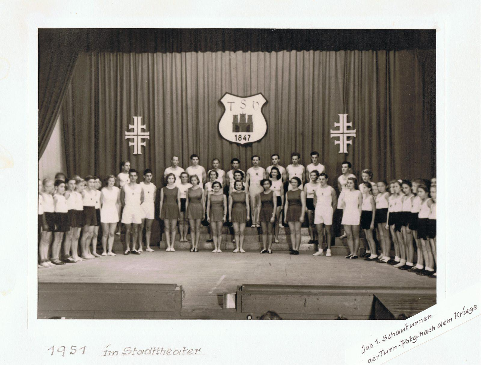 1951-Schauturnen-in-Weilheim